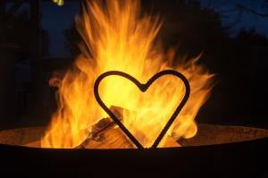 brennendes Herzklein